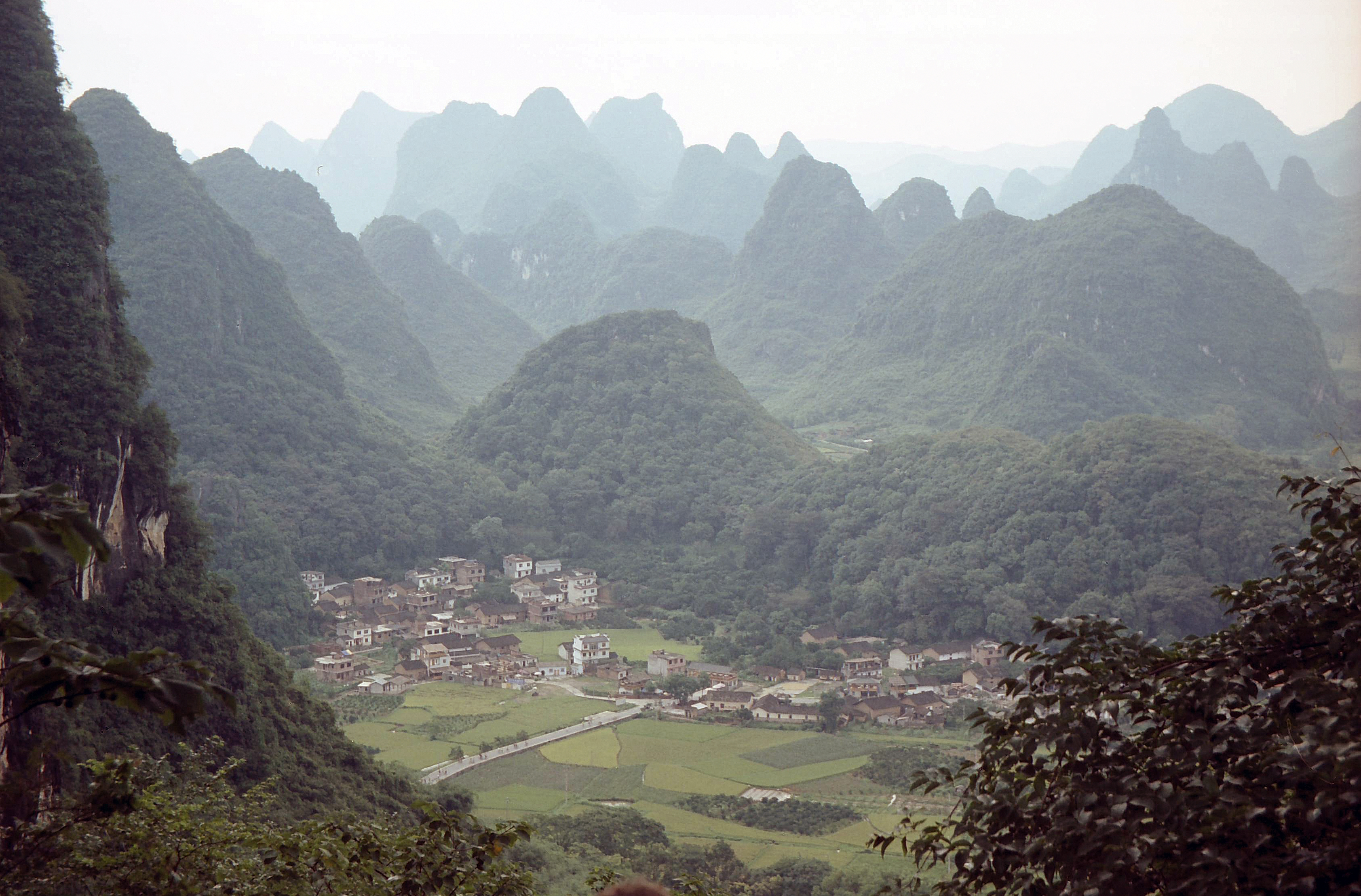 Moon hill, Guilin China.jpg - Moon hill