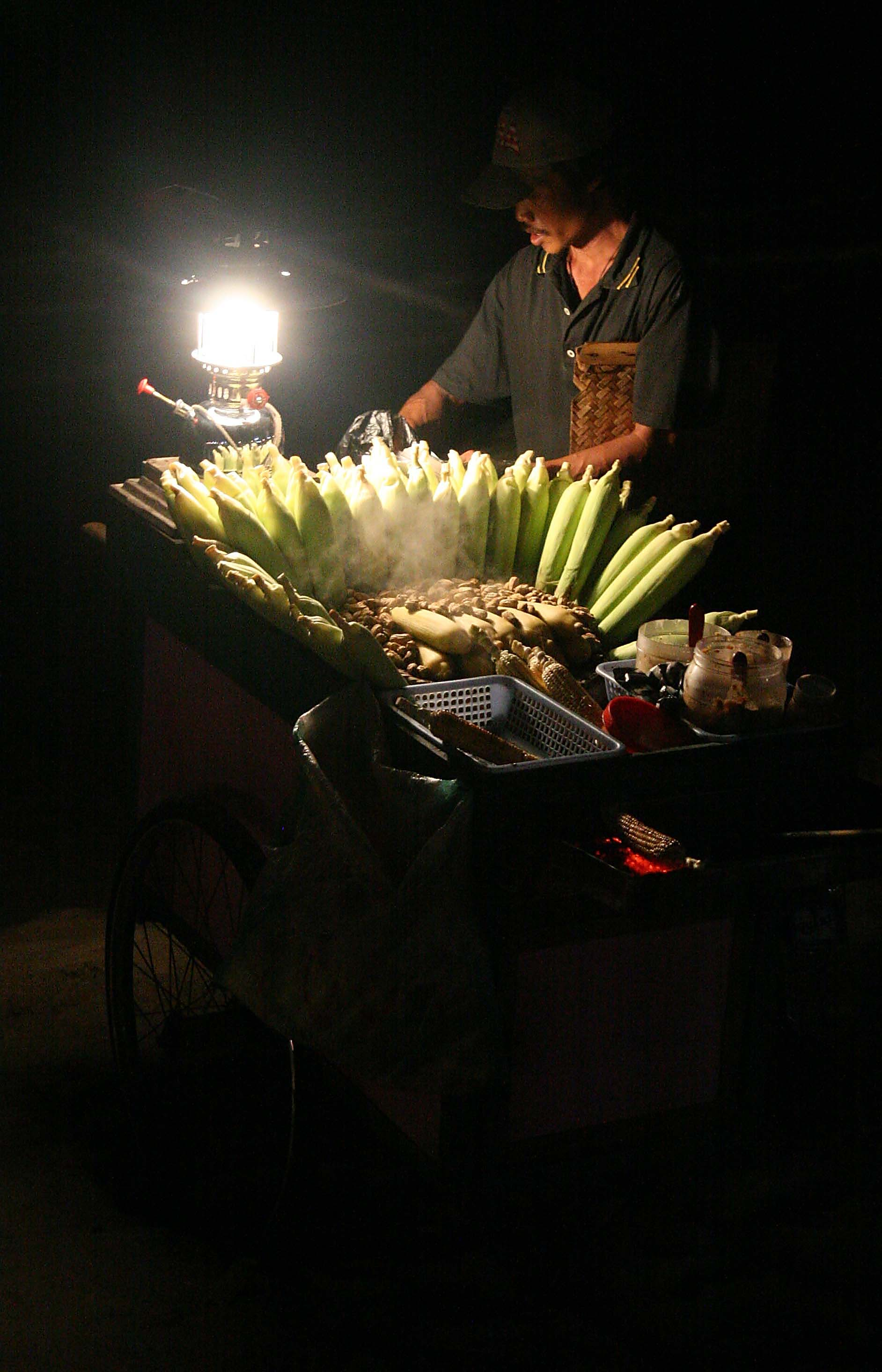 Corn on the cob man, Bali Kutah Indonesia.jpg