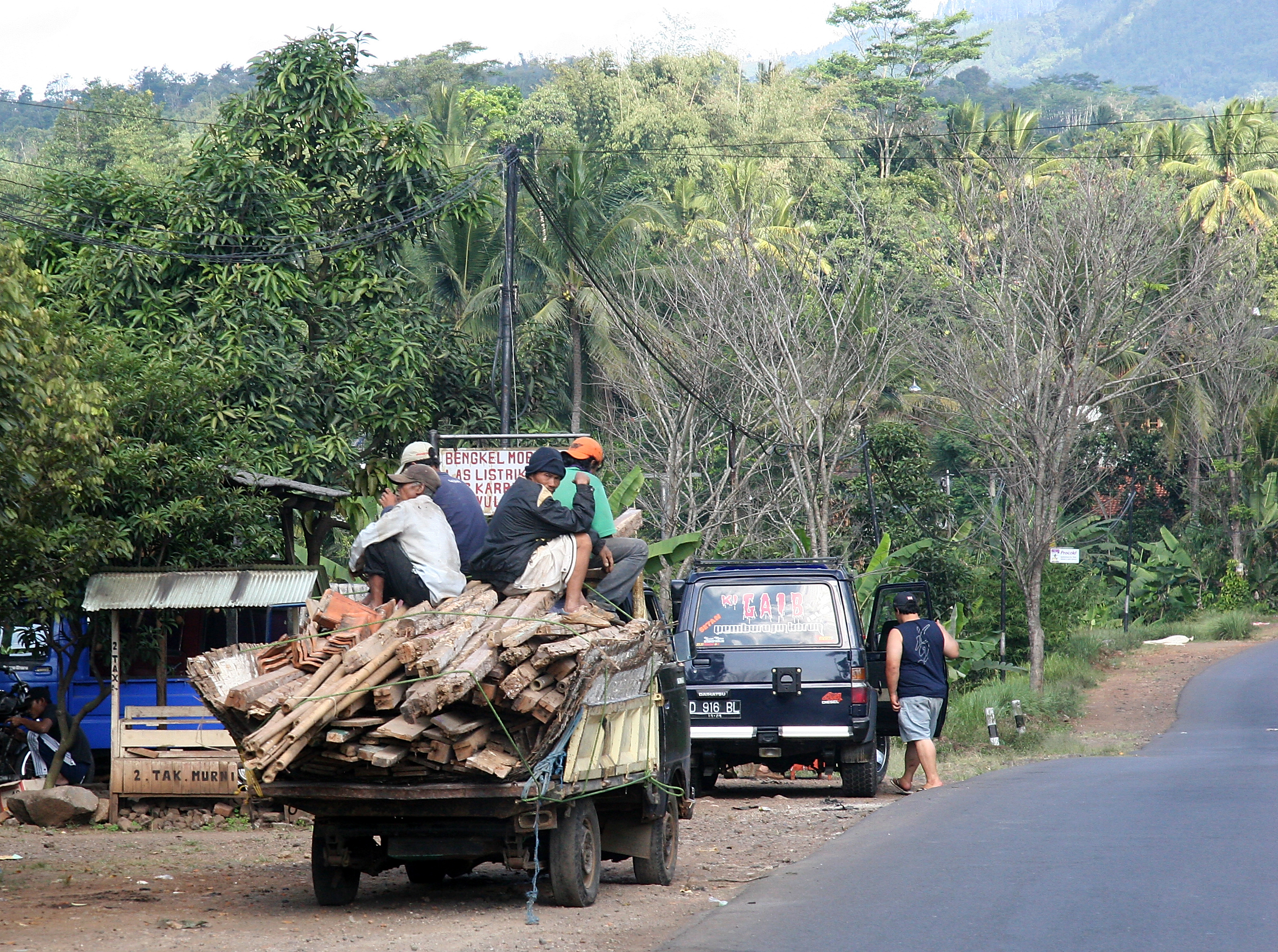 Roadside truck, Java Indonesia.jpg