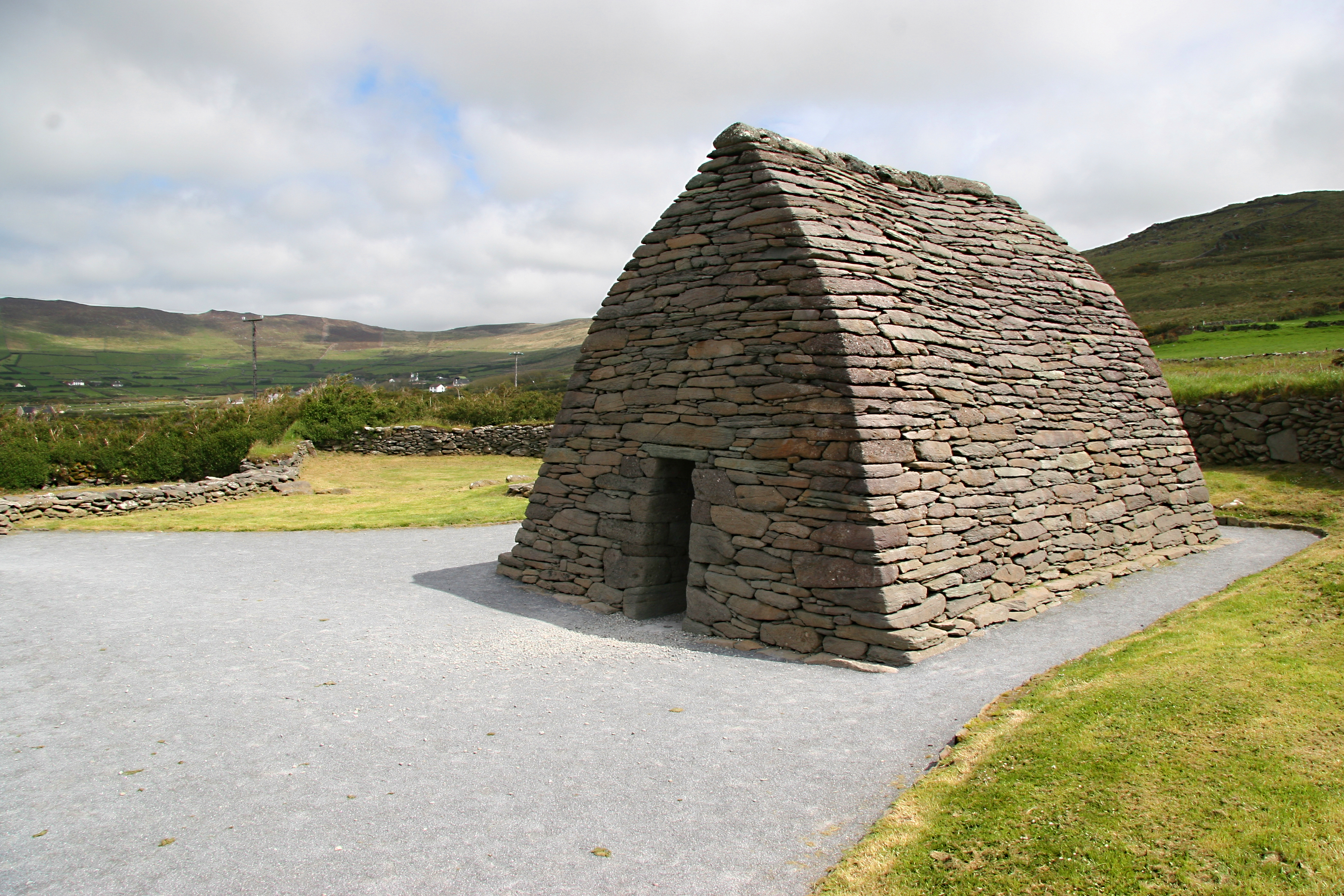 Celtic church Ireland.jpg
