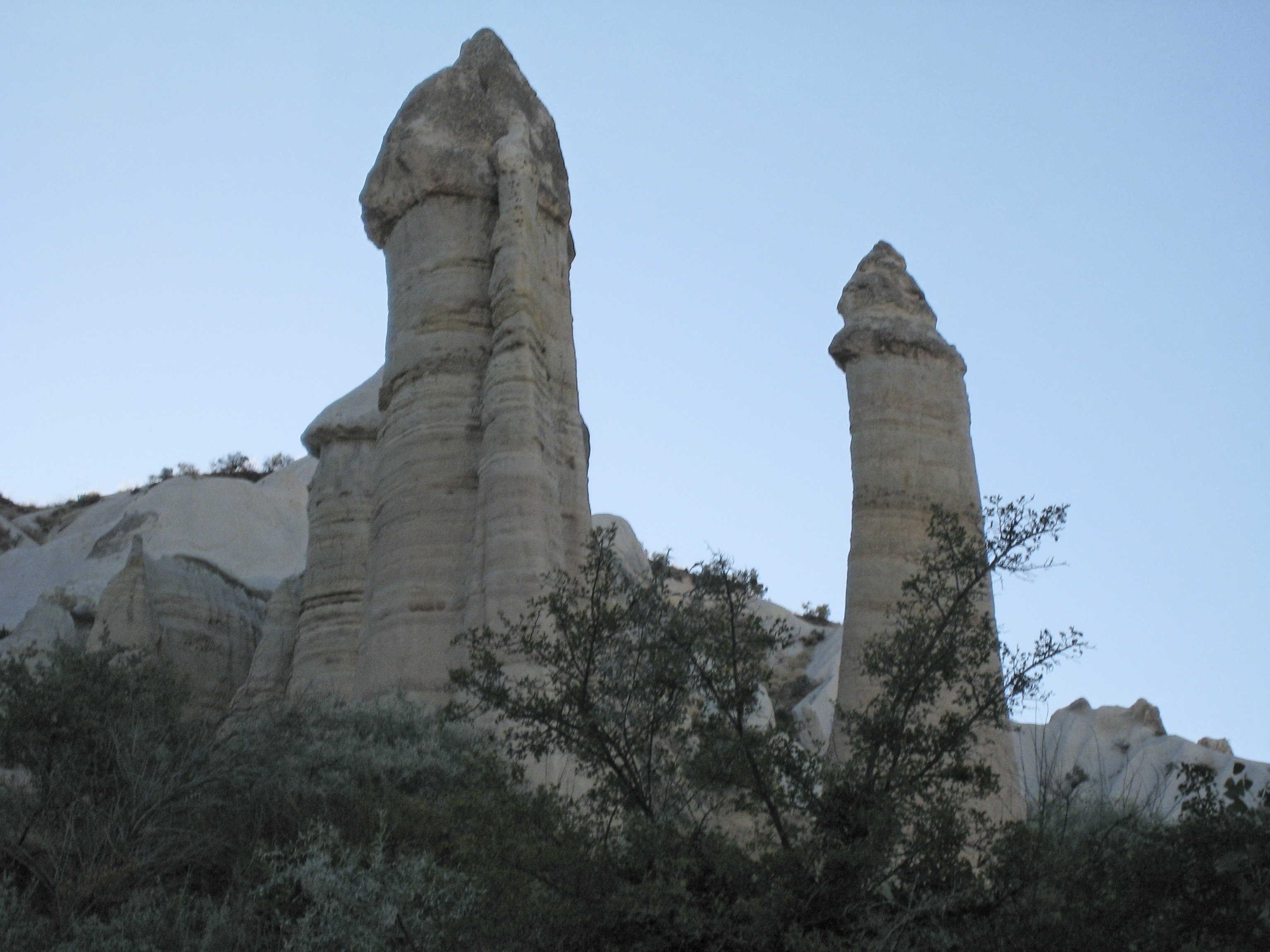 Fairy chimney rock formations, Goreme, Cappadocia Turkey 12.jpg - Goreme, Cappadocia, Turkey